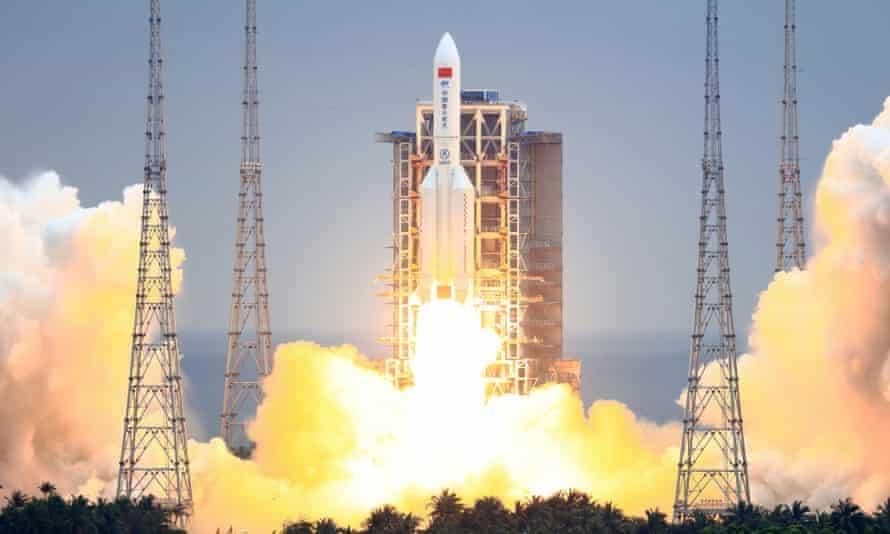 IMAGEM: Astronautas chineses iniciam retorno à Terra