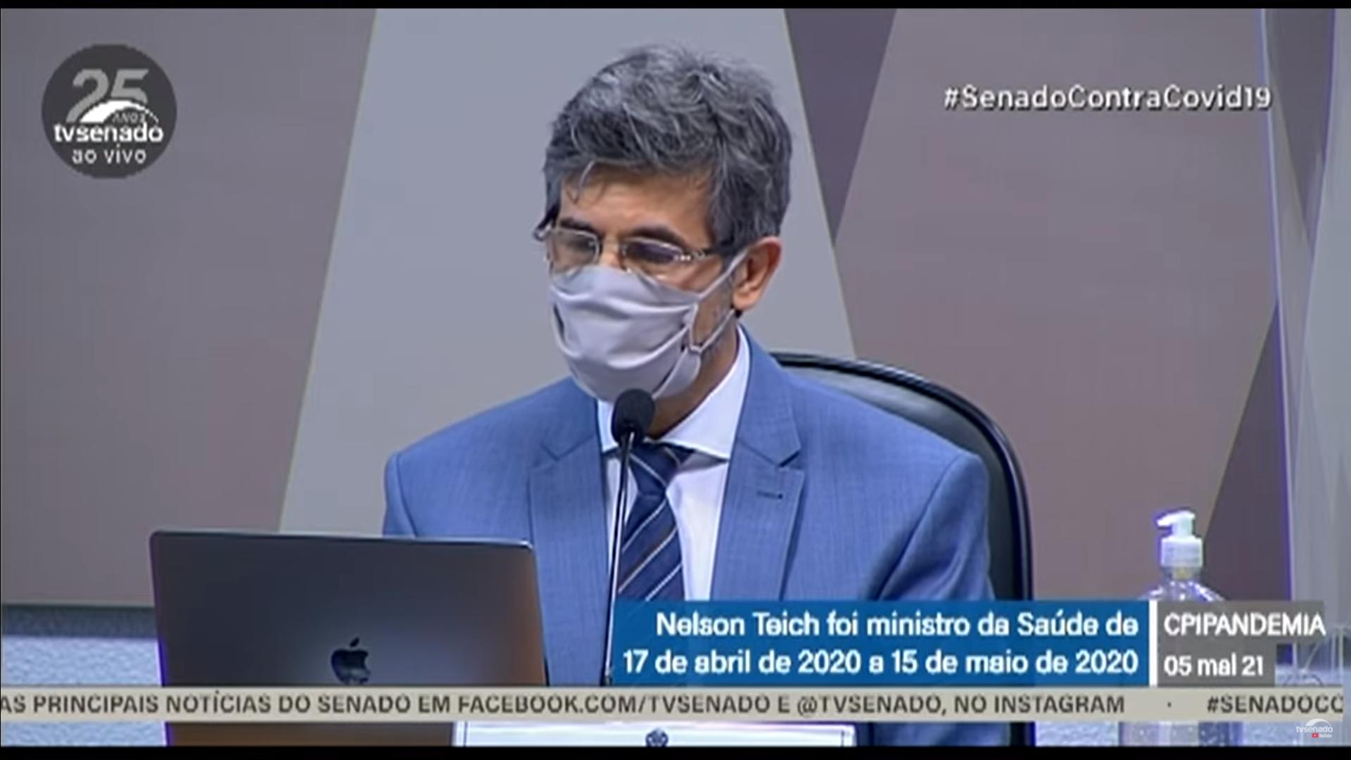 """IMAGEM: Teich diz que CFM teve """"postura inadequada"""" ao não combater uso da cloroquina"""