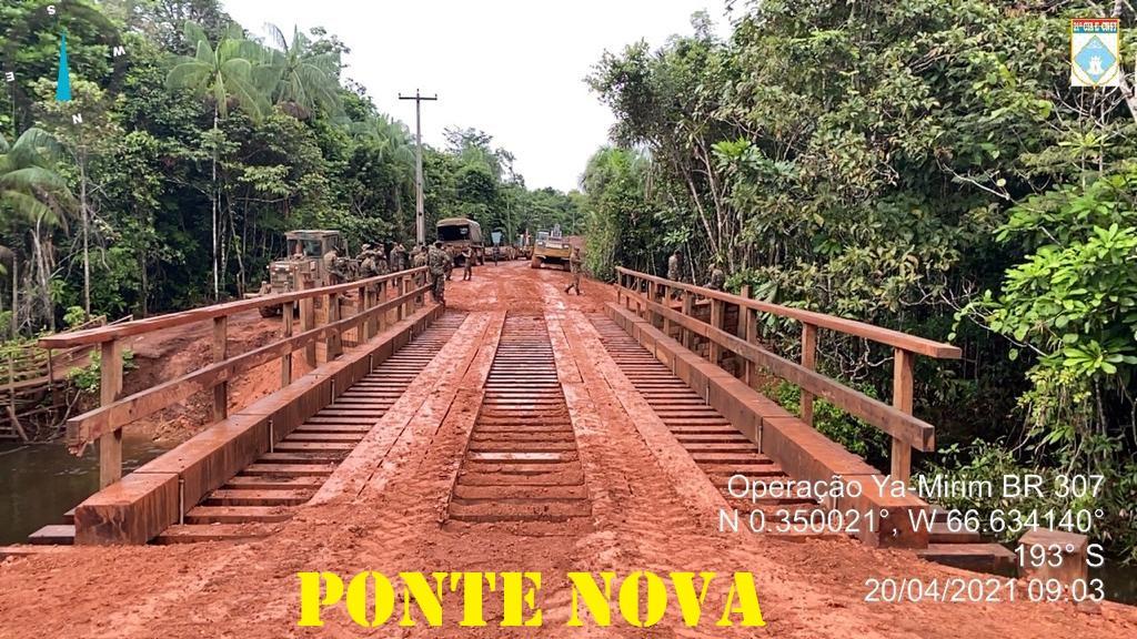 IMAGEM: Bolsonaro vai ao Amazonas inaugurar ponte de 18 metros