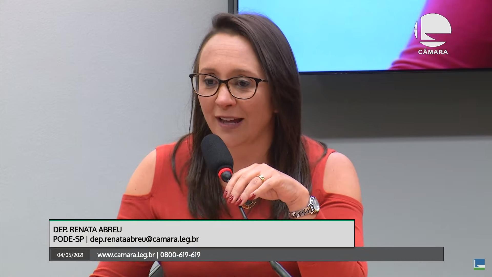 """IMAGEM: Entrevista: """"Você não muda a cultura de um povo com reforma eleitoral"""", diz Renata Abreu"""