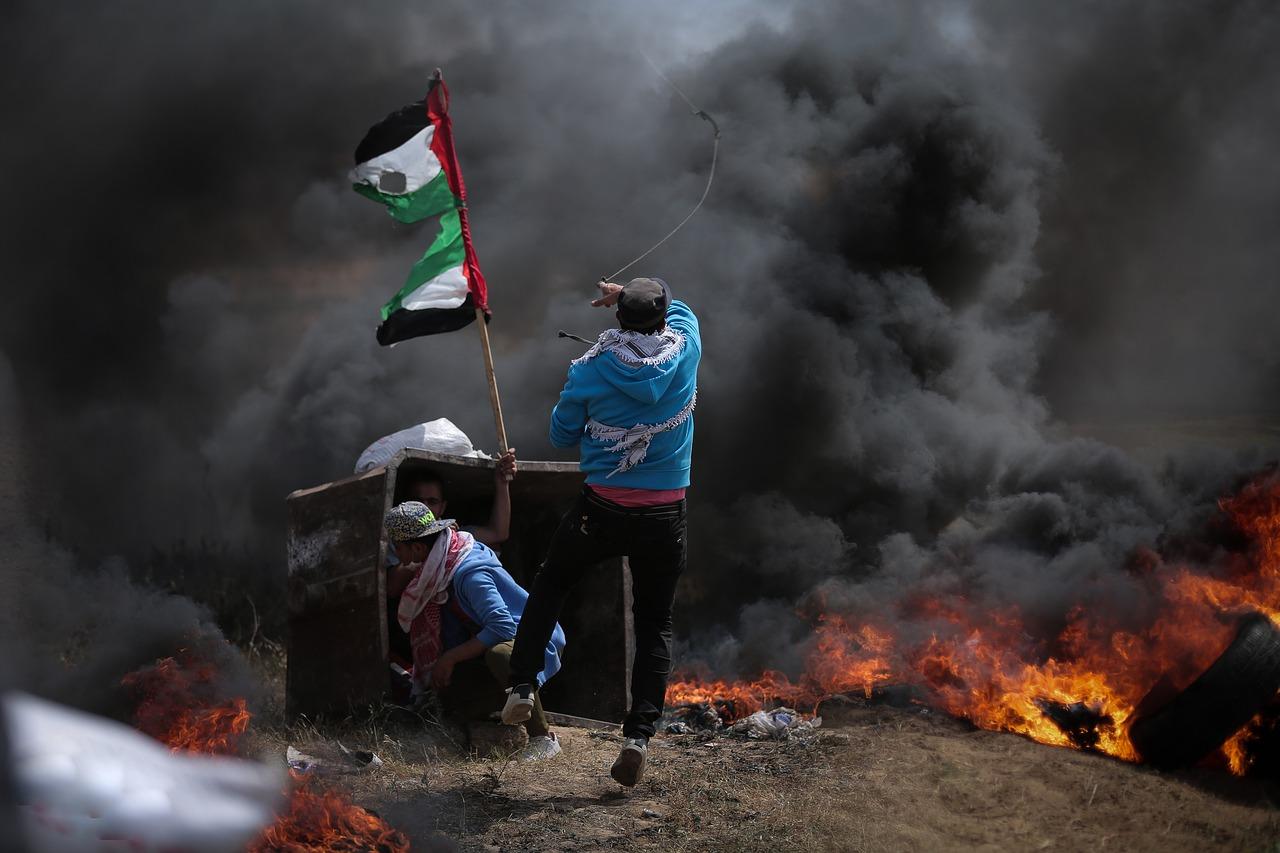 IMAGEM: Número de mortos em Gaza sobe para 83