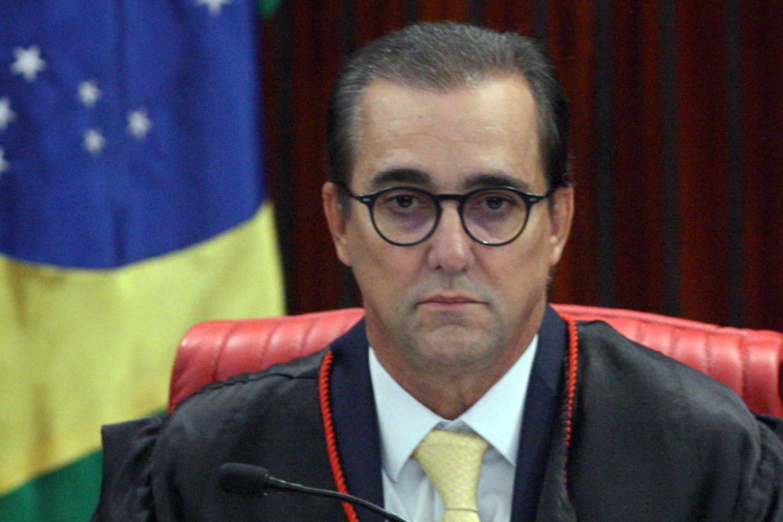 IMAGEM: Advogado de Bolsonaro participa de nova convenção do Patriota
