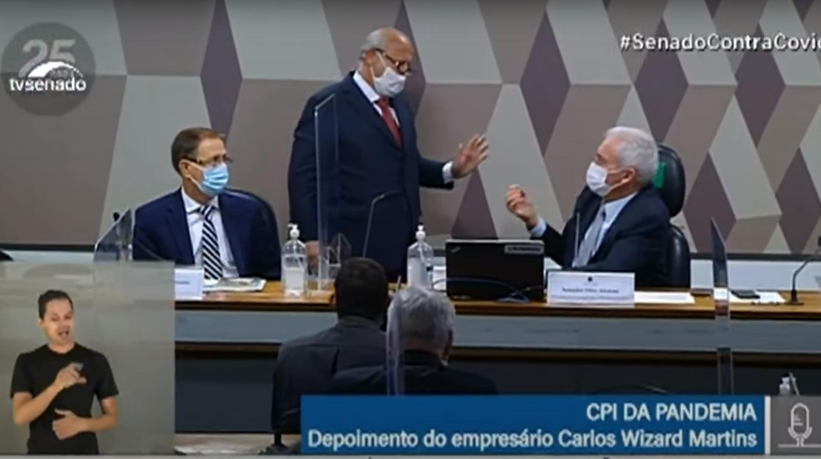 IMAGEM: Advogado de Wizard diz que Otto age com 'covardia' na CPI