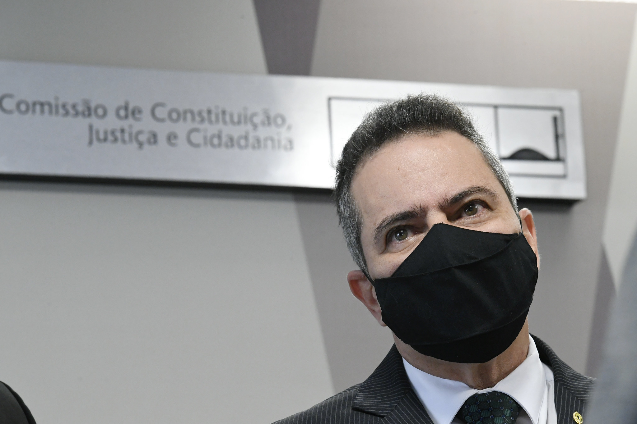 IMAGEM: Elcio diz que teve contato com Nise, Osmar Terra e Carlos Wizard