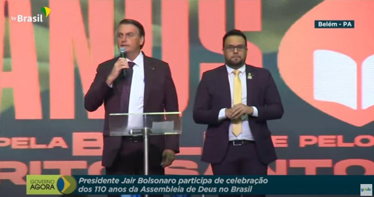 Bolsonaro usa TV Brasil novamente para agradar a evangélicos