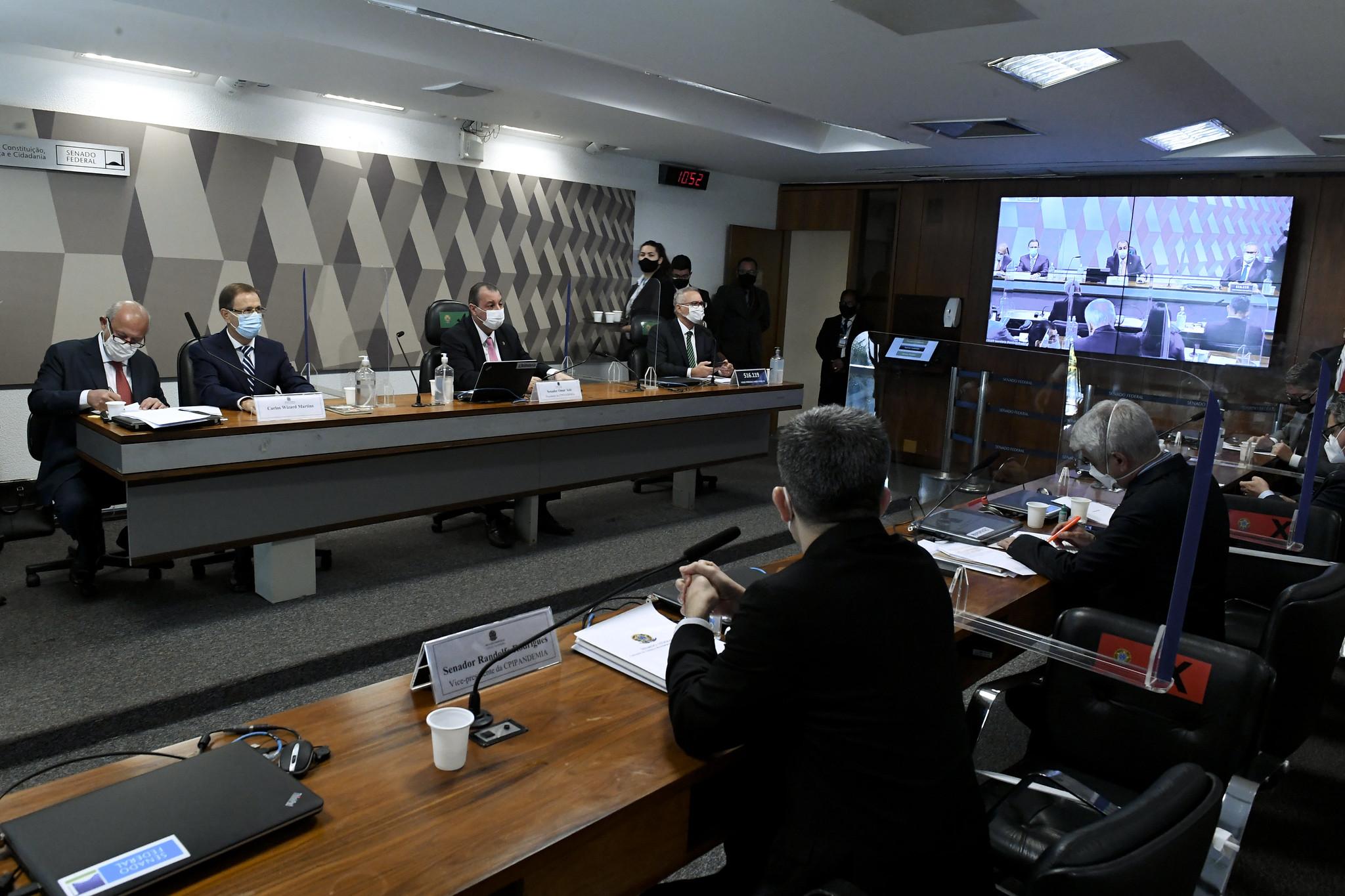 IMAGEM: Ex-assessor de Pazuello será investigado pela CPI mesmo fora do país