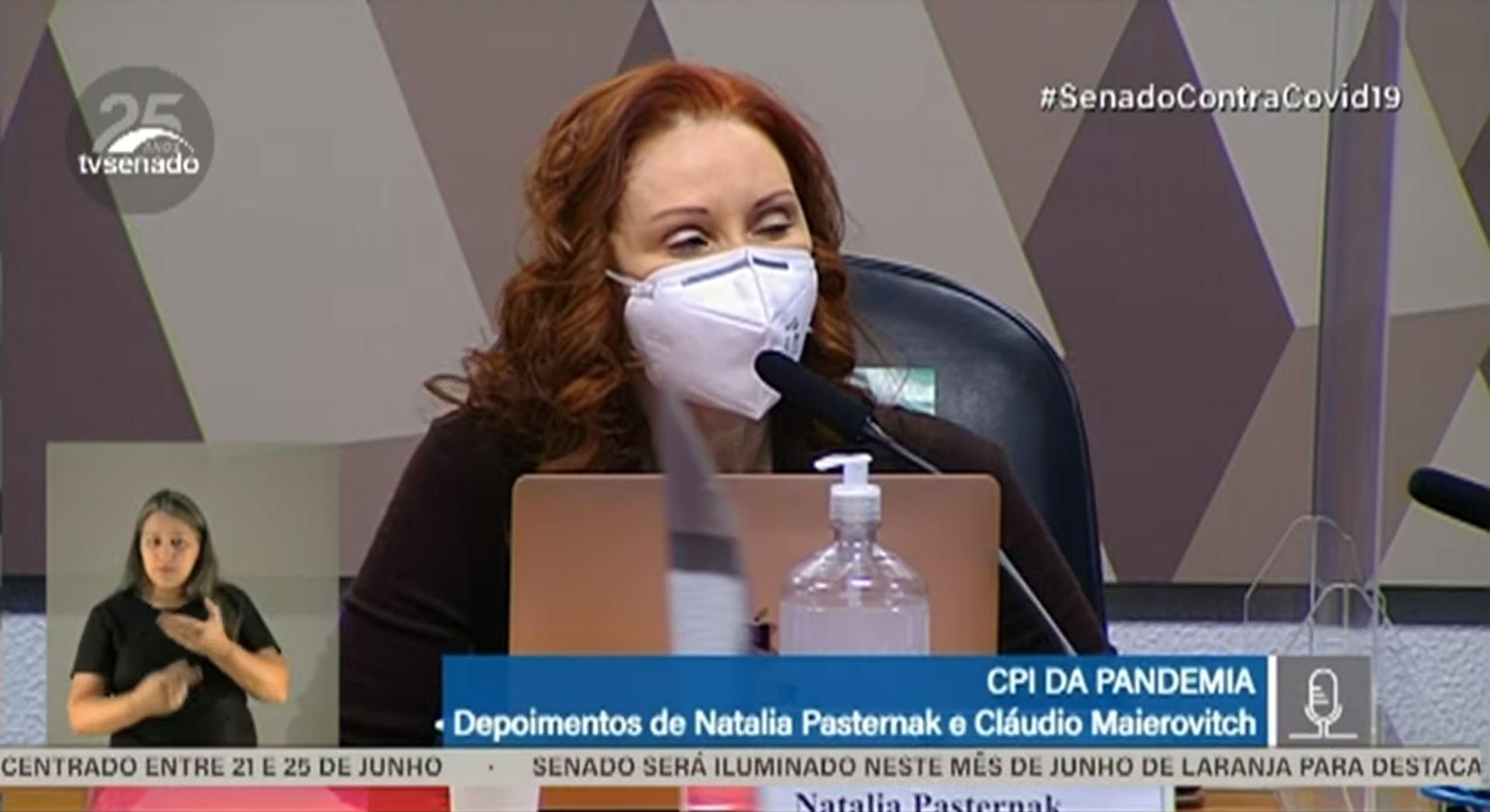 """IMAGEM: """"Ciência não é questão de opinião"""", diz Natalia Pasternak à CPI"""