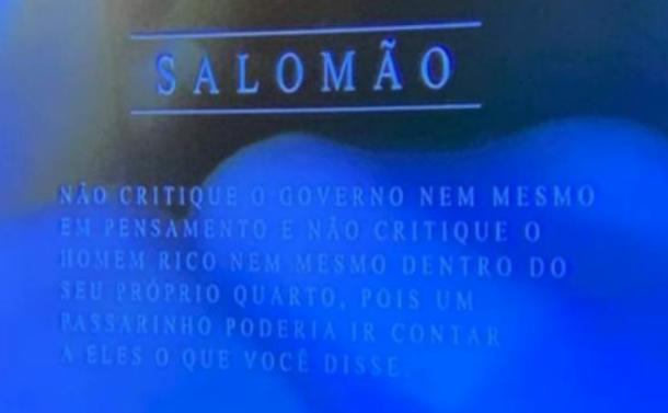 IMAGEM: SBT exibe trecho da Bíblia que diz para não criticar o governo