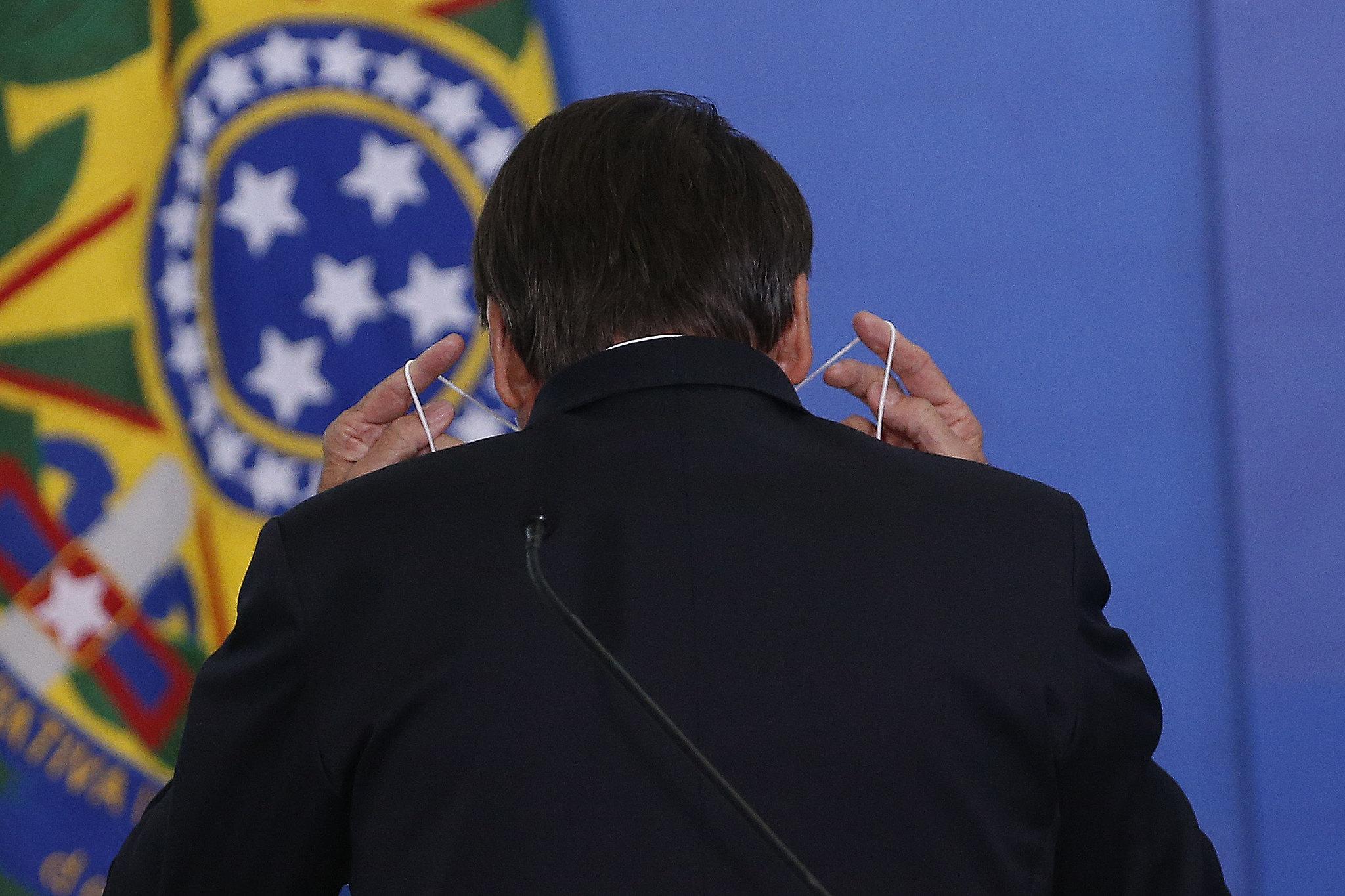 IMAGEM: Saúde fala em 'caráter crítico' da pandemia e planeja pedir R$ 3 bi ao Banco Mundial