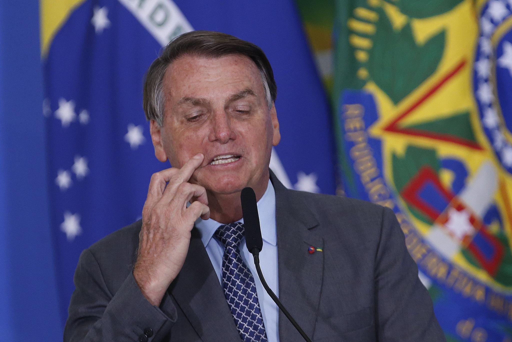 IMAGEM: Sem provas, Bolsonaro diz que eleições de 2014 foram fraudadas