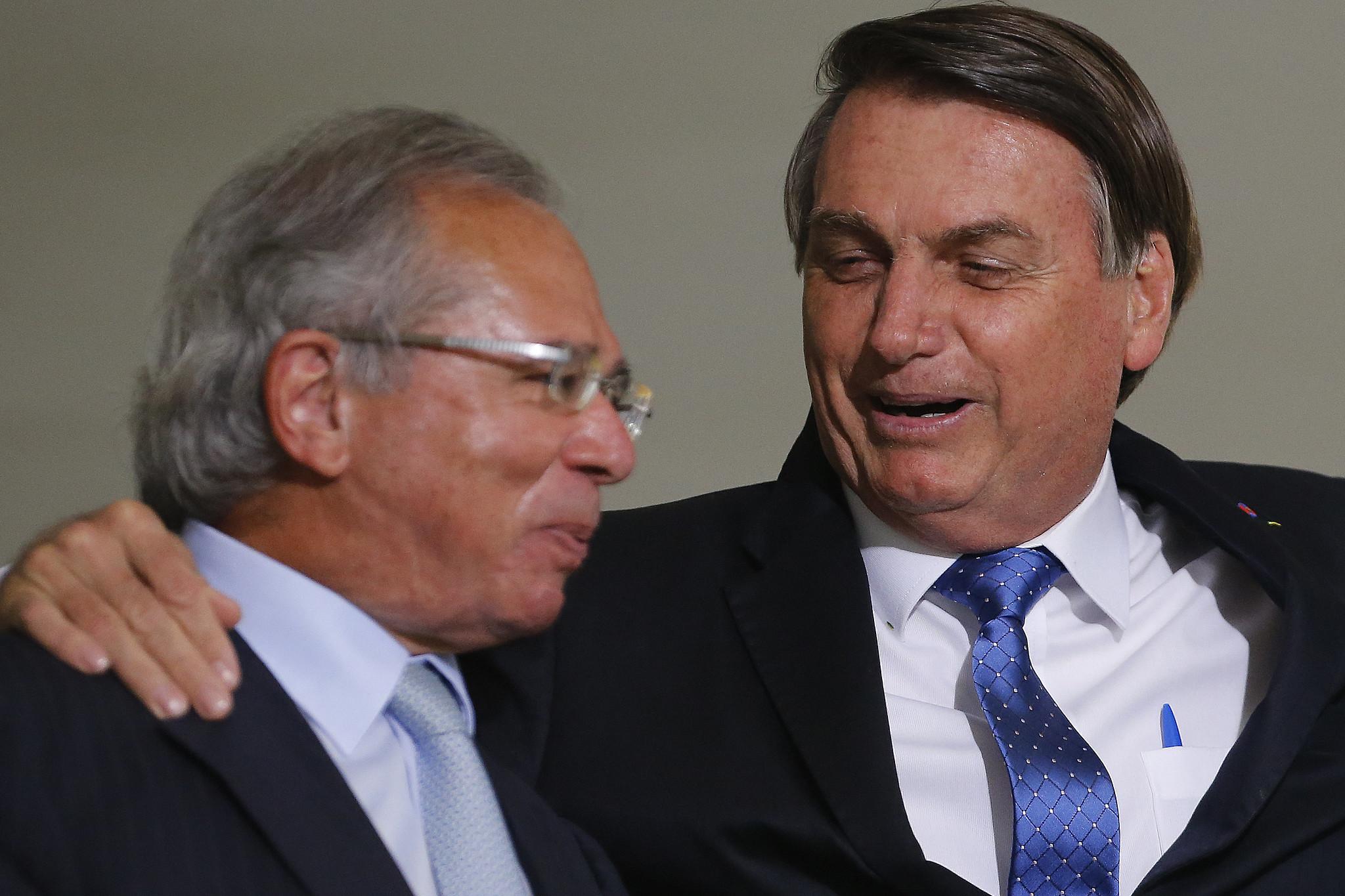 IMAGEM: Delfim Netto se diz assustado com críticas de Guedes ao IBGE