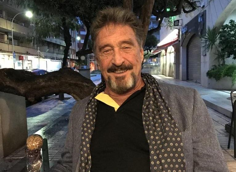 IMAGEM: Criador do antivírus McAfee é encontrado morto em prisão na Espanha