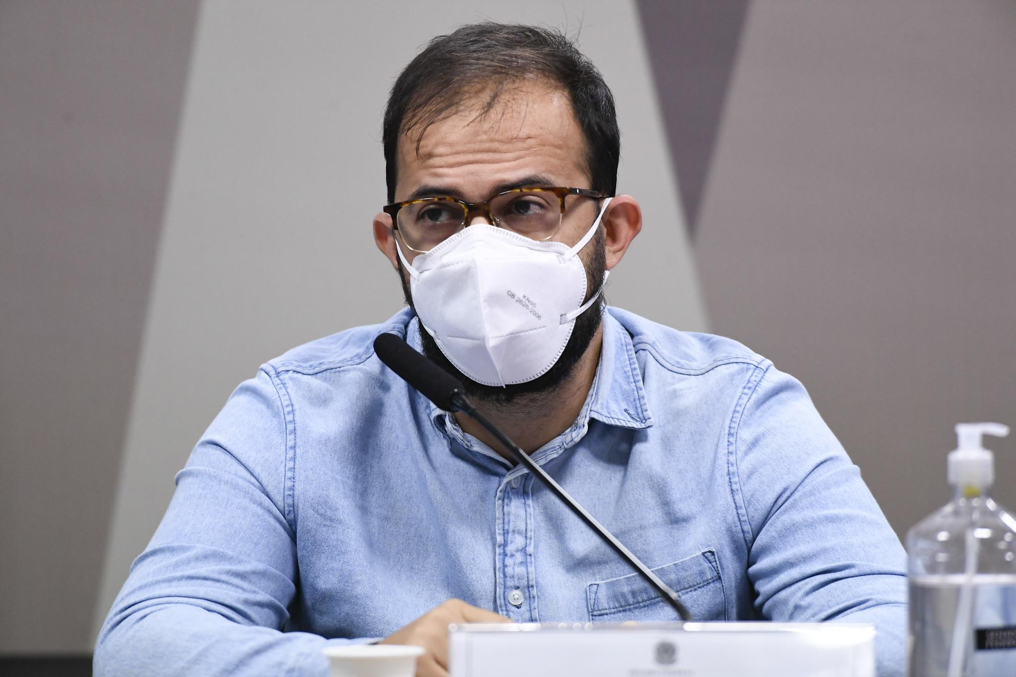 IMAGEM: Ministério da Saúde admite ter bloqueado acesso de irmão de Miranda