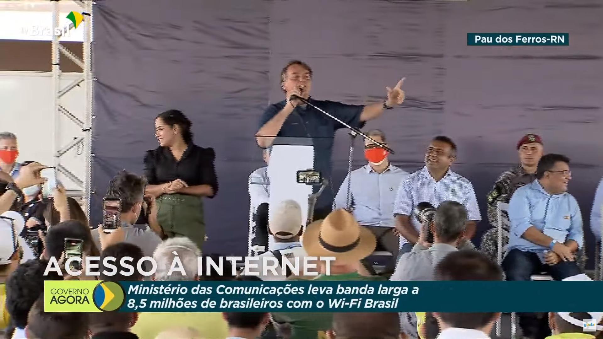 """IMAGEM: Bolsonaro: """"Não tem mais esse papo de arco e flecha não"""""""