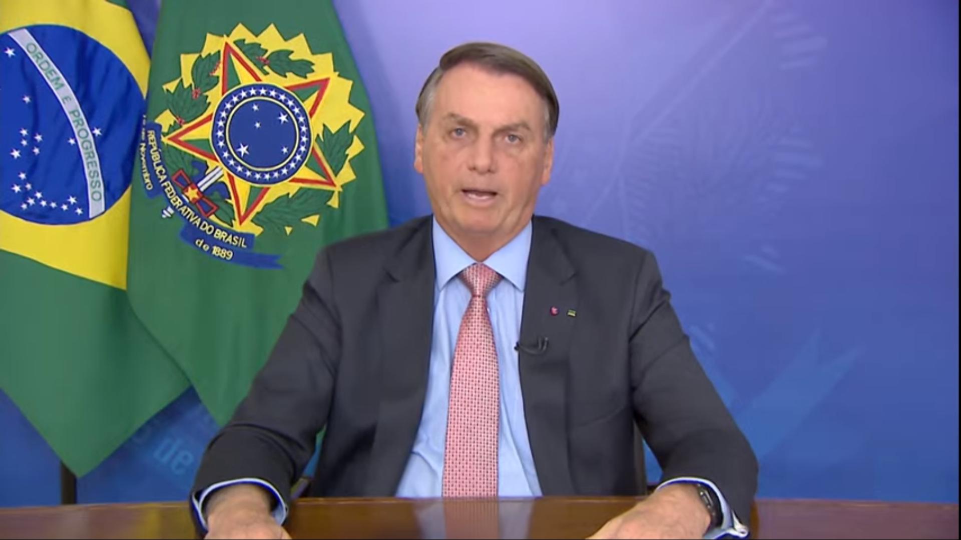 IMAGEM: Bolsonaro mentiu sobre Barroso e o estupro de vulnerável
