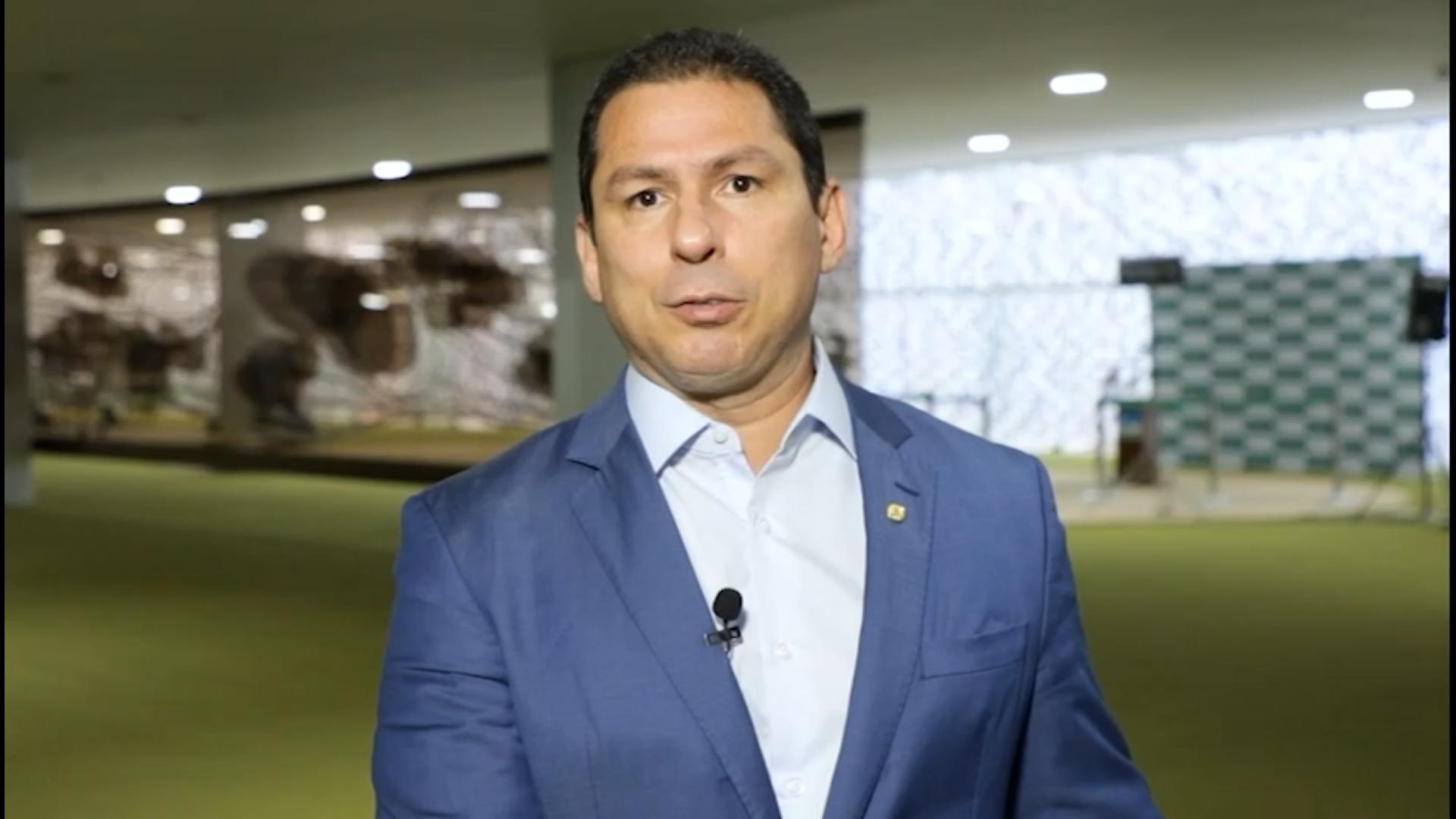 IMAGEM: 'A máscara de quem quis aumentar o fundão começa a cair', diz Marcelo Ramos