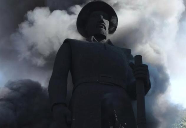 IMAGEM: Incêndio não comprometeu estrutura da estátua de Borba Gato