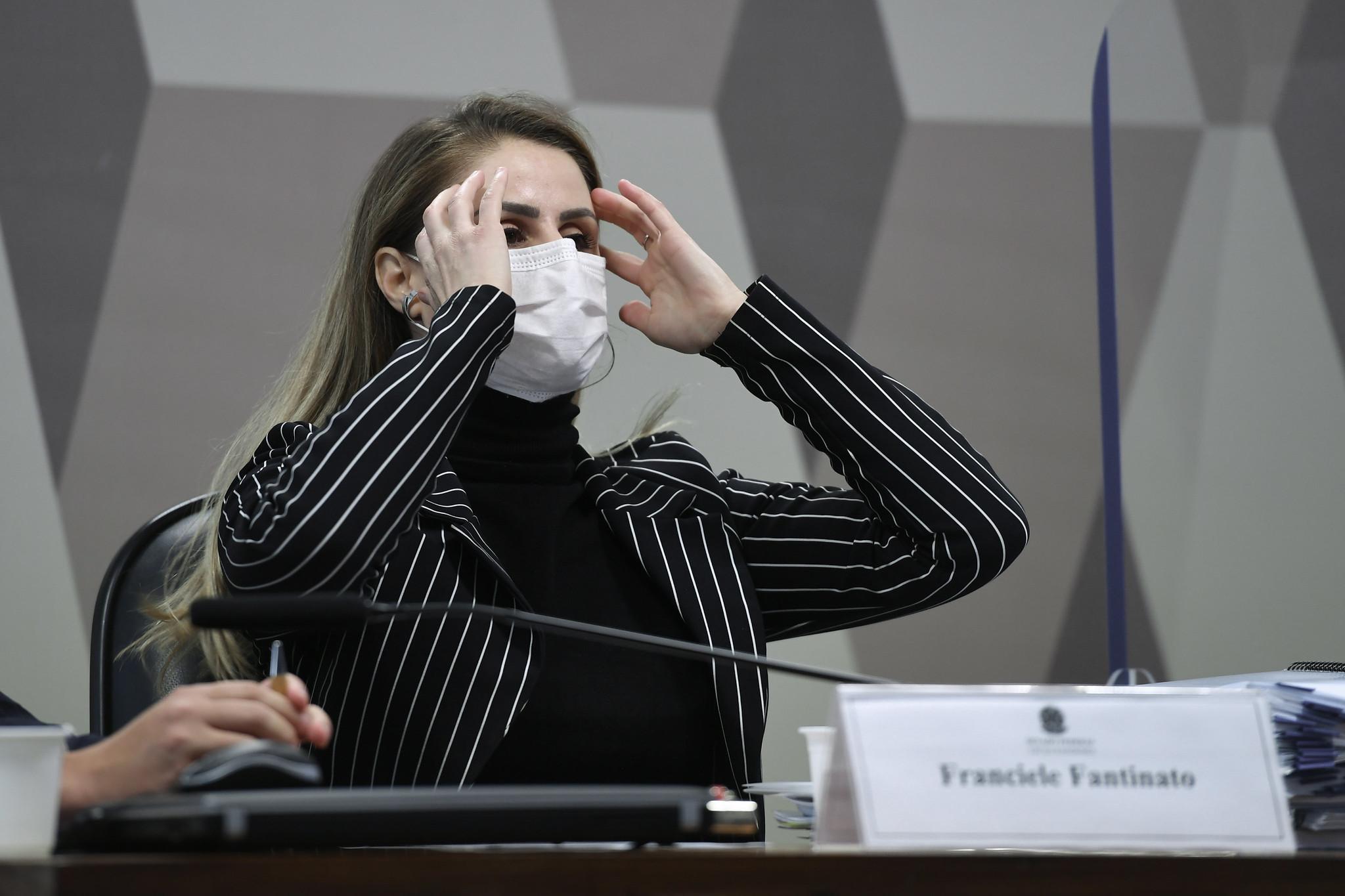 IMAGEM: CPI da Covid retira Francieli Fantinato da condição de investigada