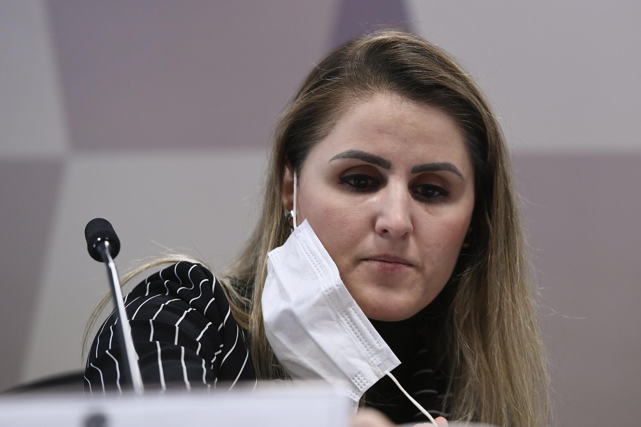 IMAGEM: Ex-coordenadora do PNI diz que pediu milhões de doses em junho de 2020, mas Elcio vetou