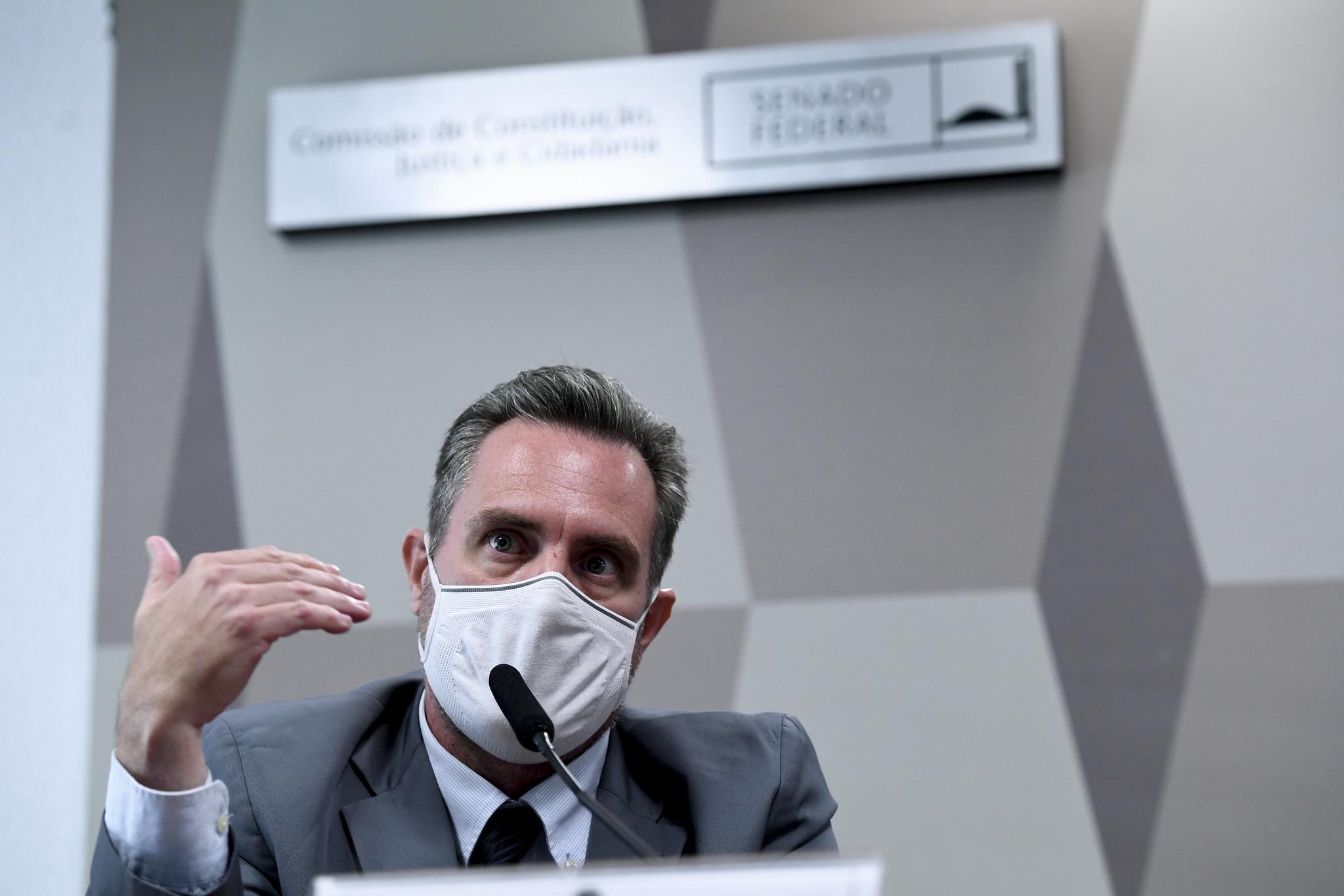 IMAGEM: Agora há dois pontos que ligam o nome de Bolsonaro ao escândalo das vacinas