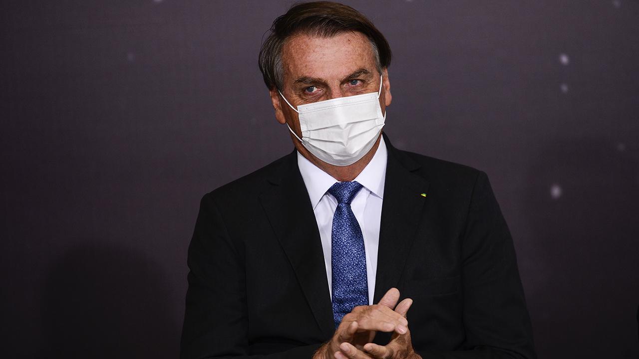 IMAGEM: Avião de Bolsonaro pousa em São Paulo