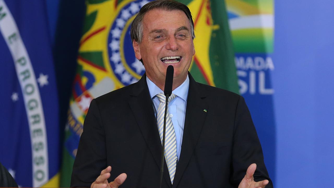 """IMAGEM: """"Não consegue fazer uma 'jegueata' na vida"""", diz Bolsonaro, sobre Lula"""