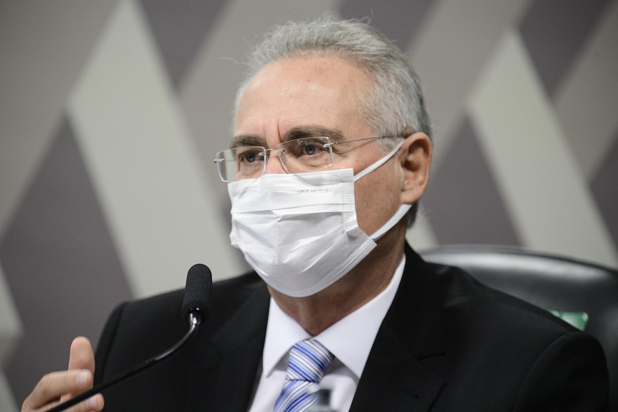 IMAGEM: Renan diz haver boato de que nome do filho 04 de Bolsonaro foi escolhido em sua homenagem