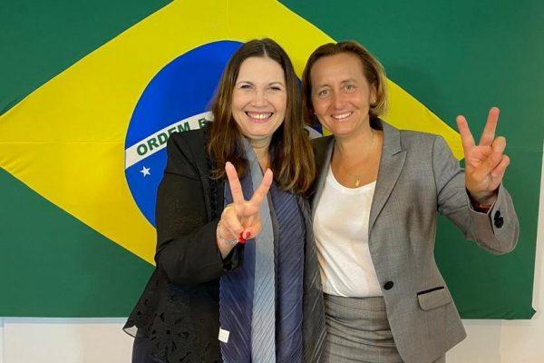 IMAGEM: Bia Kicis celebra semelhança com integrante do partido neonazista alemão