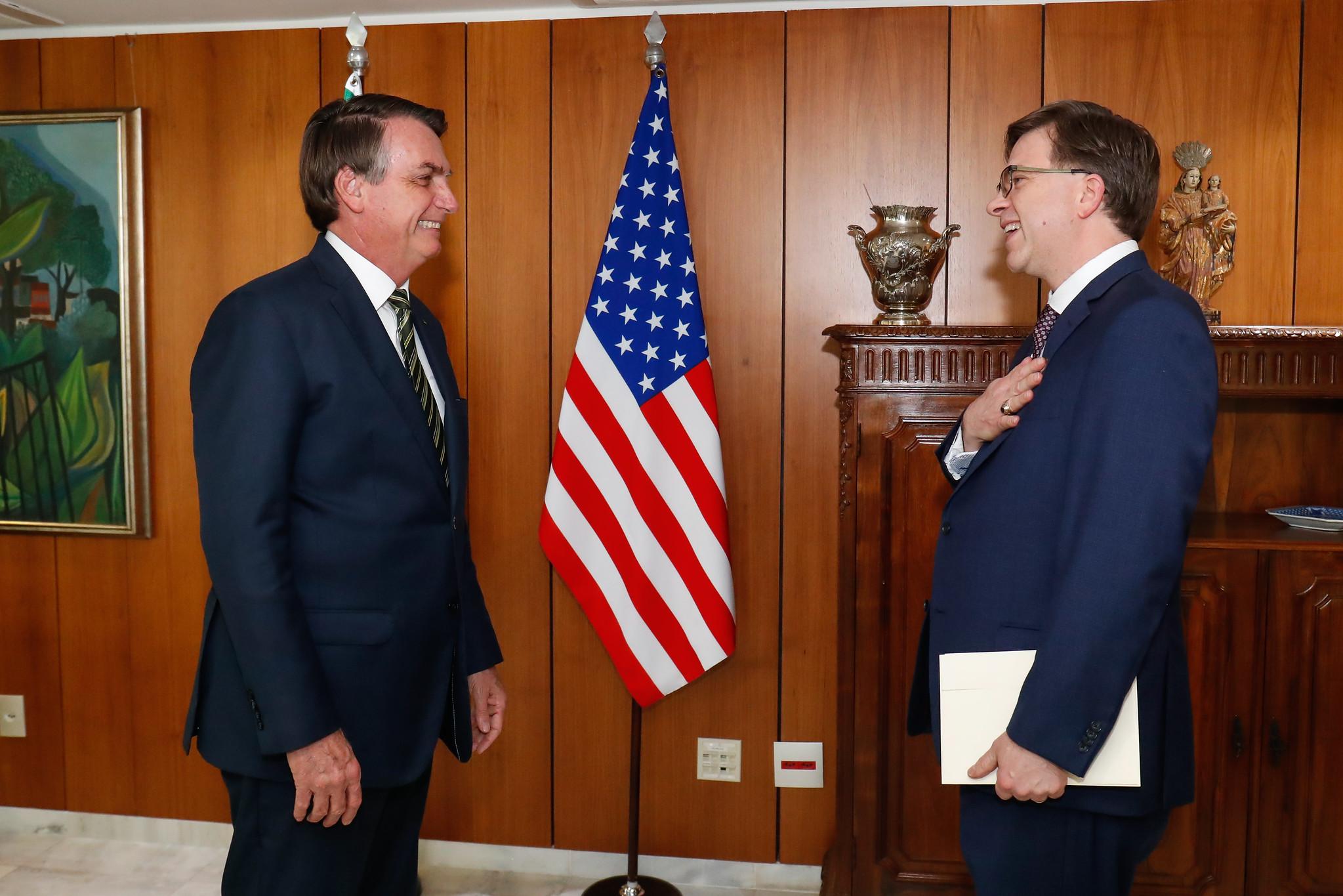 """IMAGEM: Embaixador dos EUA diz que Brasil é """"super democrático"""""""