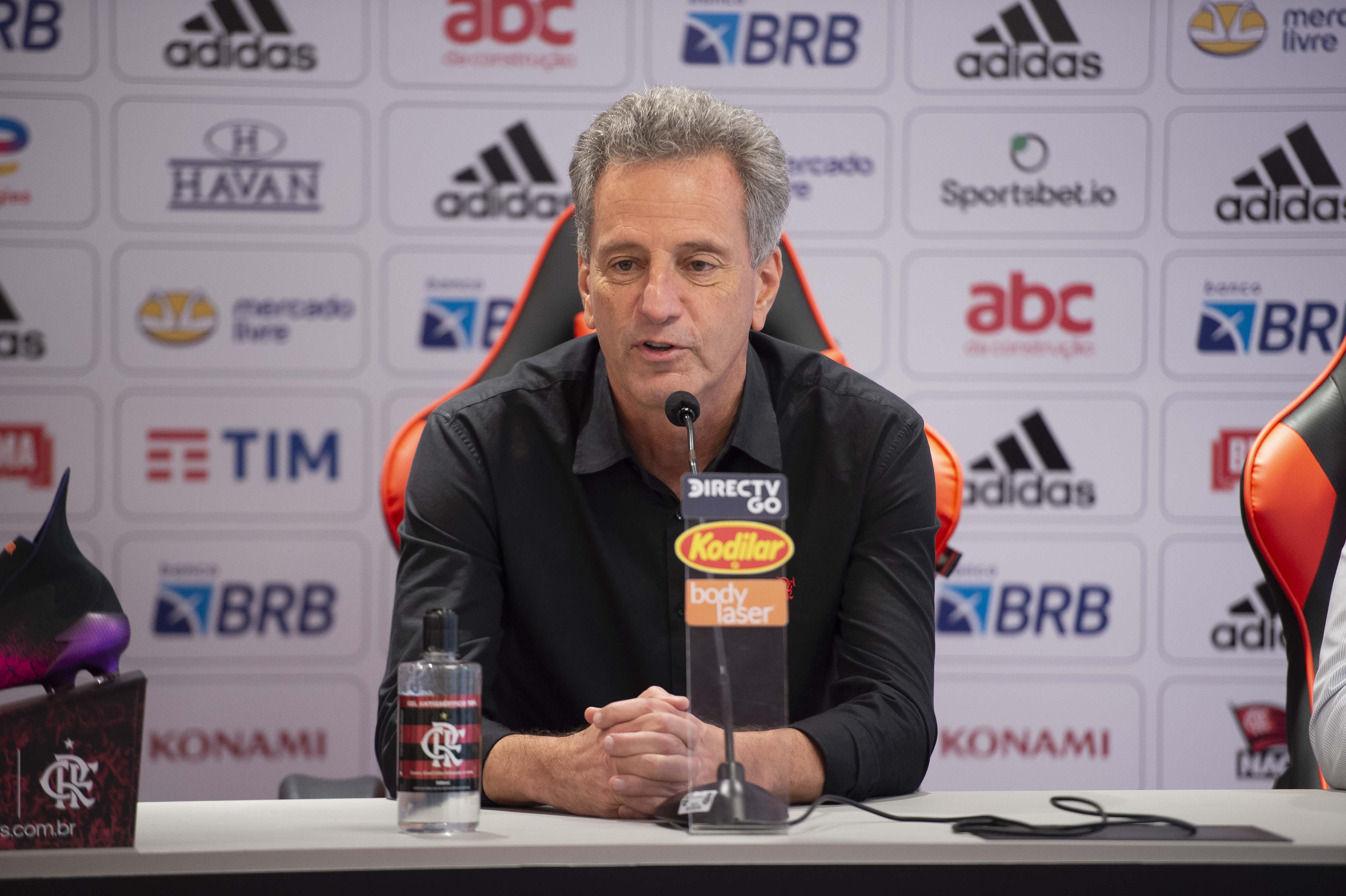 IMAGEM: Presidente do Flamengo negocia acordo com procuradores, diz jornal