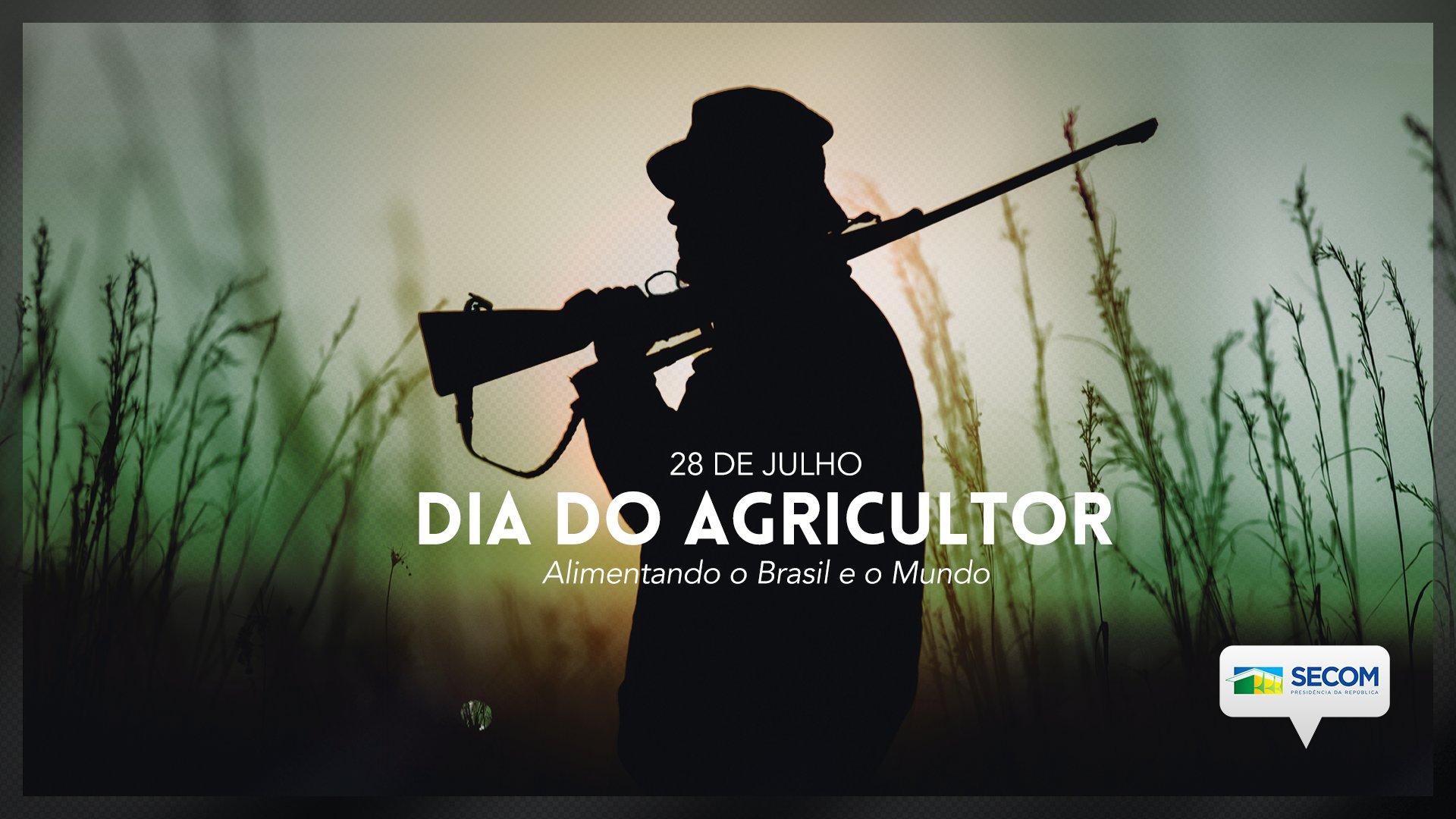 IMAGEM: Em homenagem ao Dia do Agricultor, governo troca enxada por espingarda