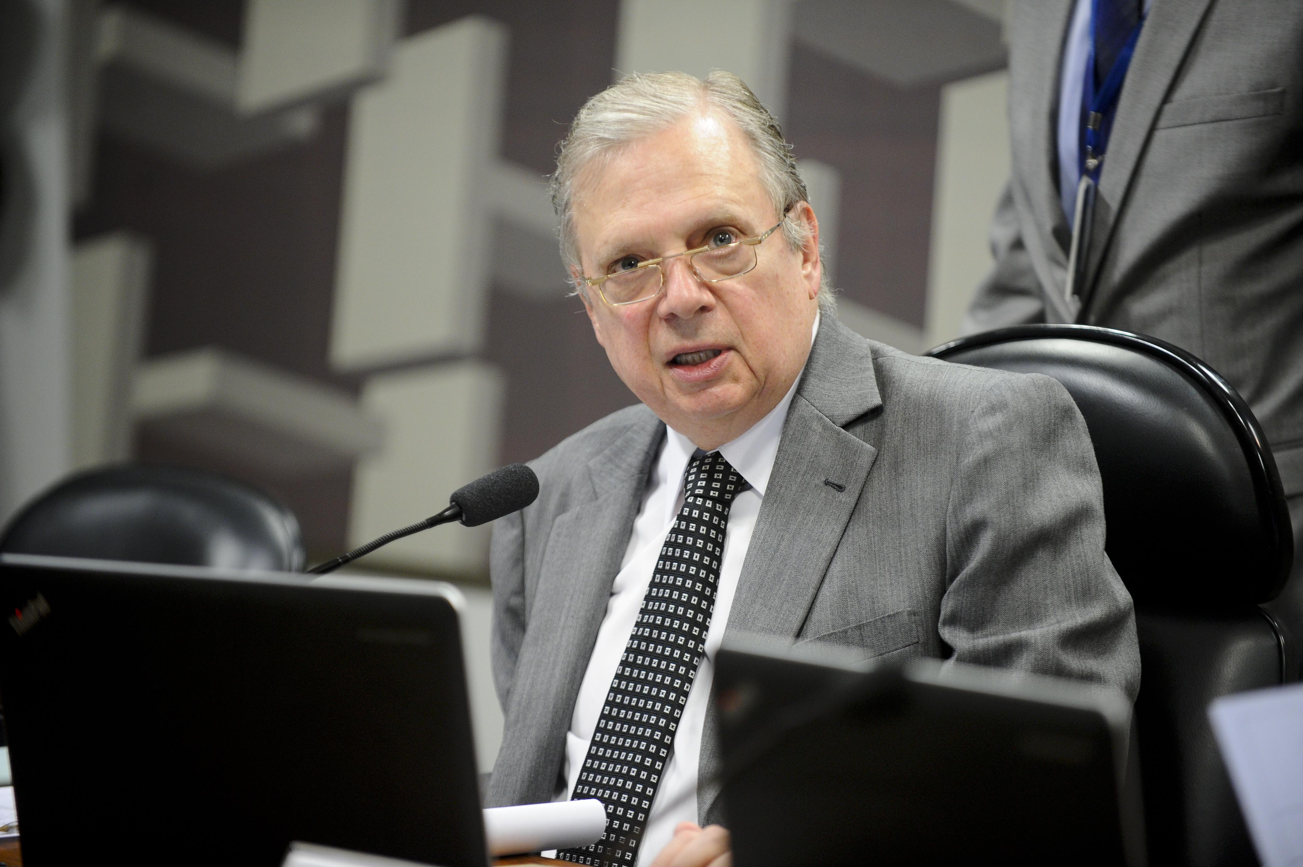IMAGEM: Tasso sugere que pode desistir de prévias do PSDB