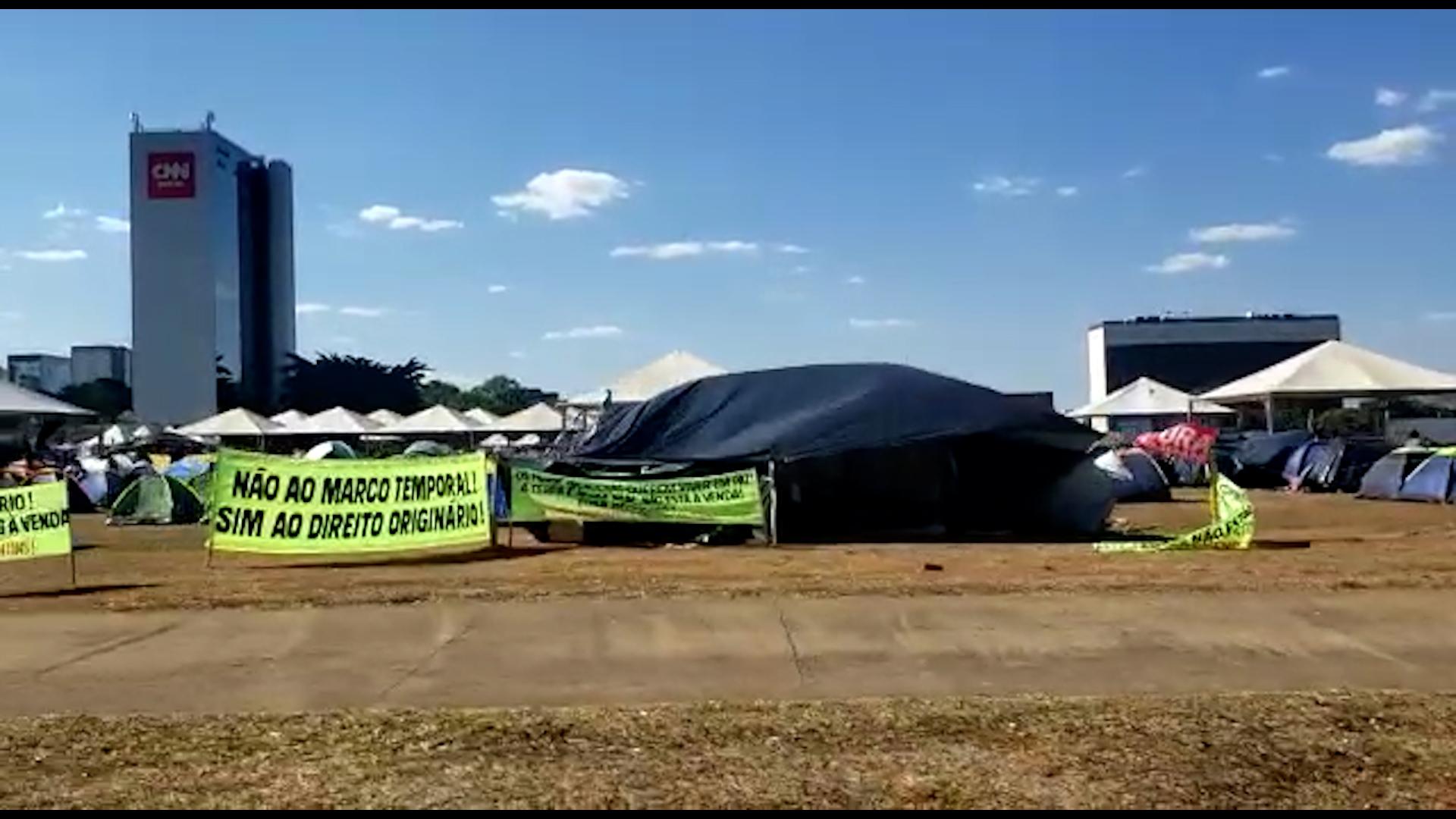 IMAGEM: Acampamento em Brasília é de indígenas, não de bolsonaristas