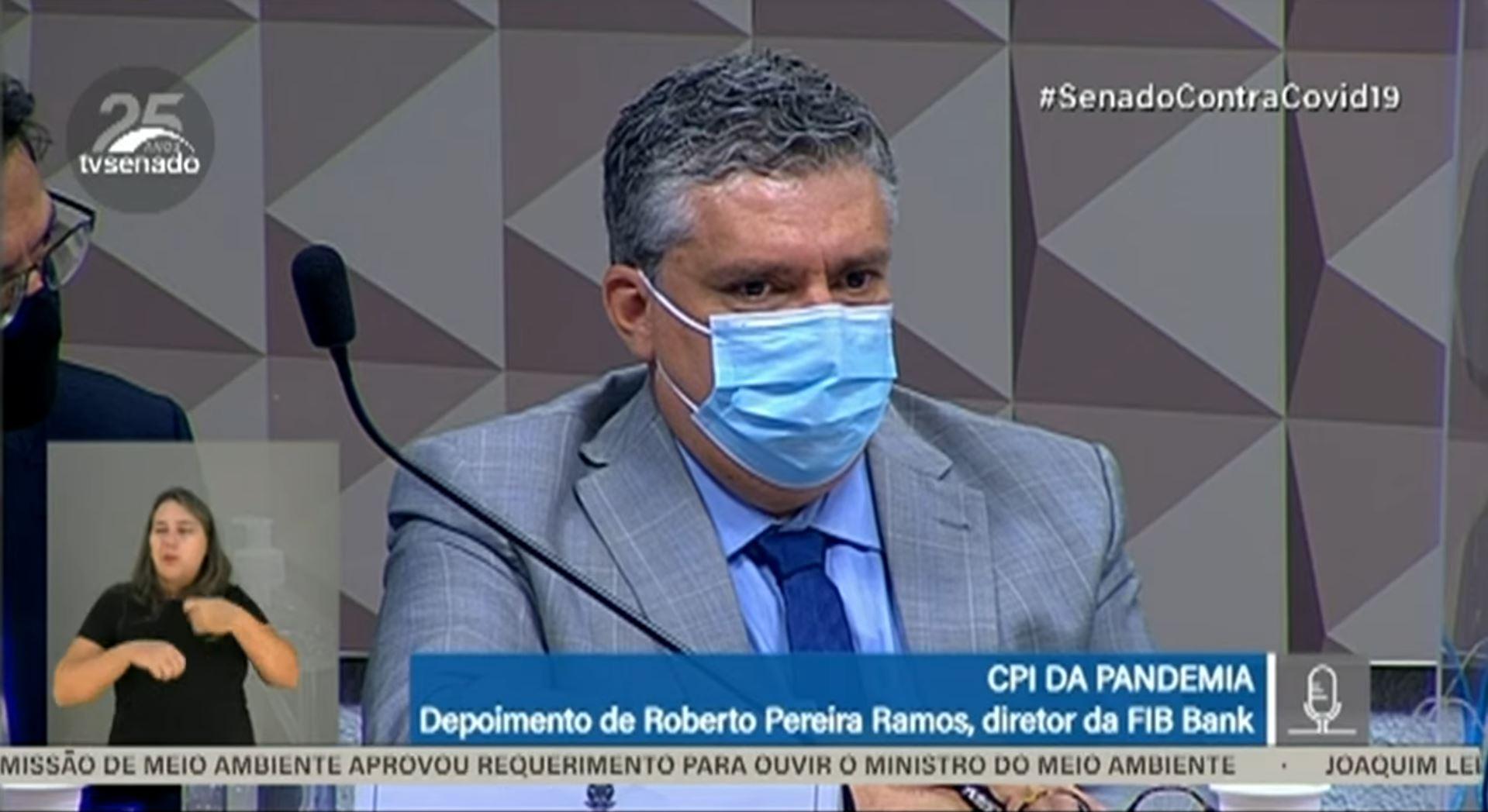 IMAGEM: Diretor do FIB Bank diz que não tem relação com Barros e Maximiano