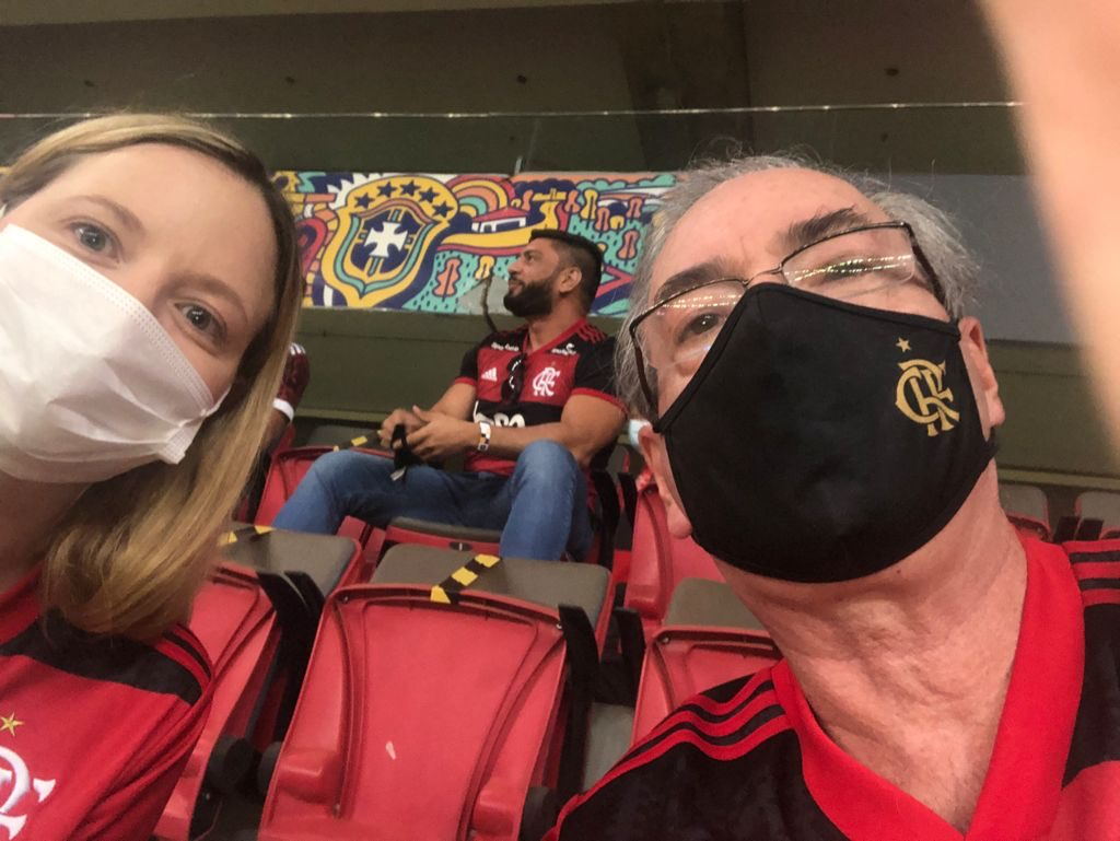 IMAGEM: Eduardo Cunha vai a jogo do Flamengo em Brasília