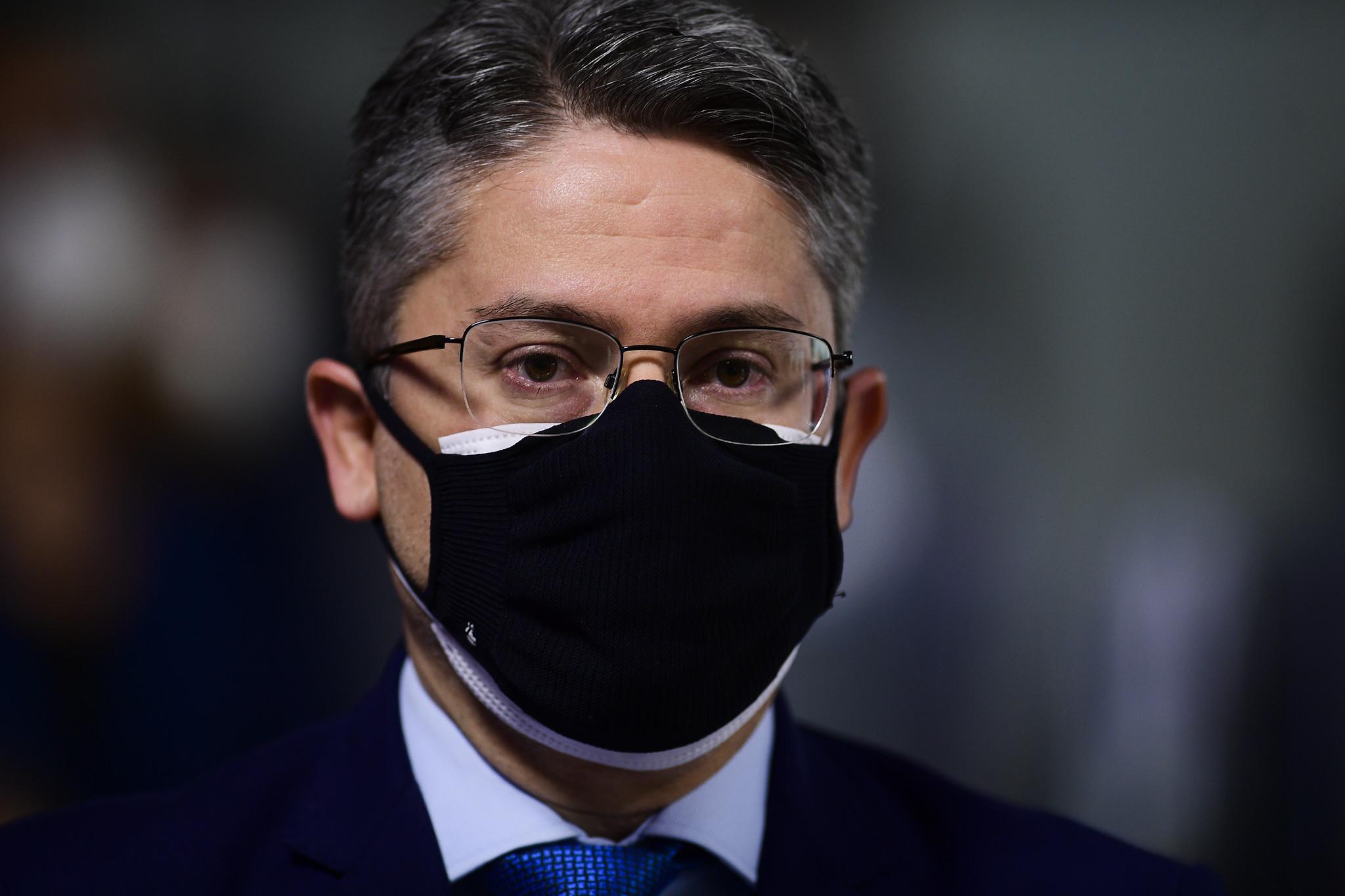 IMAGEM: Vieira apresenta requerimento para convocar ex-mulher de Bolsonaro para CPI