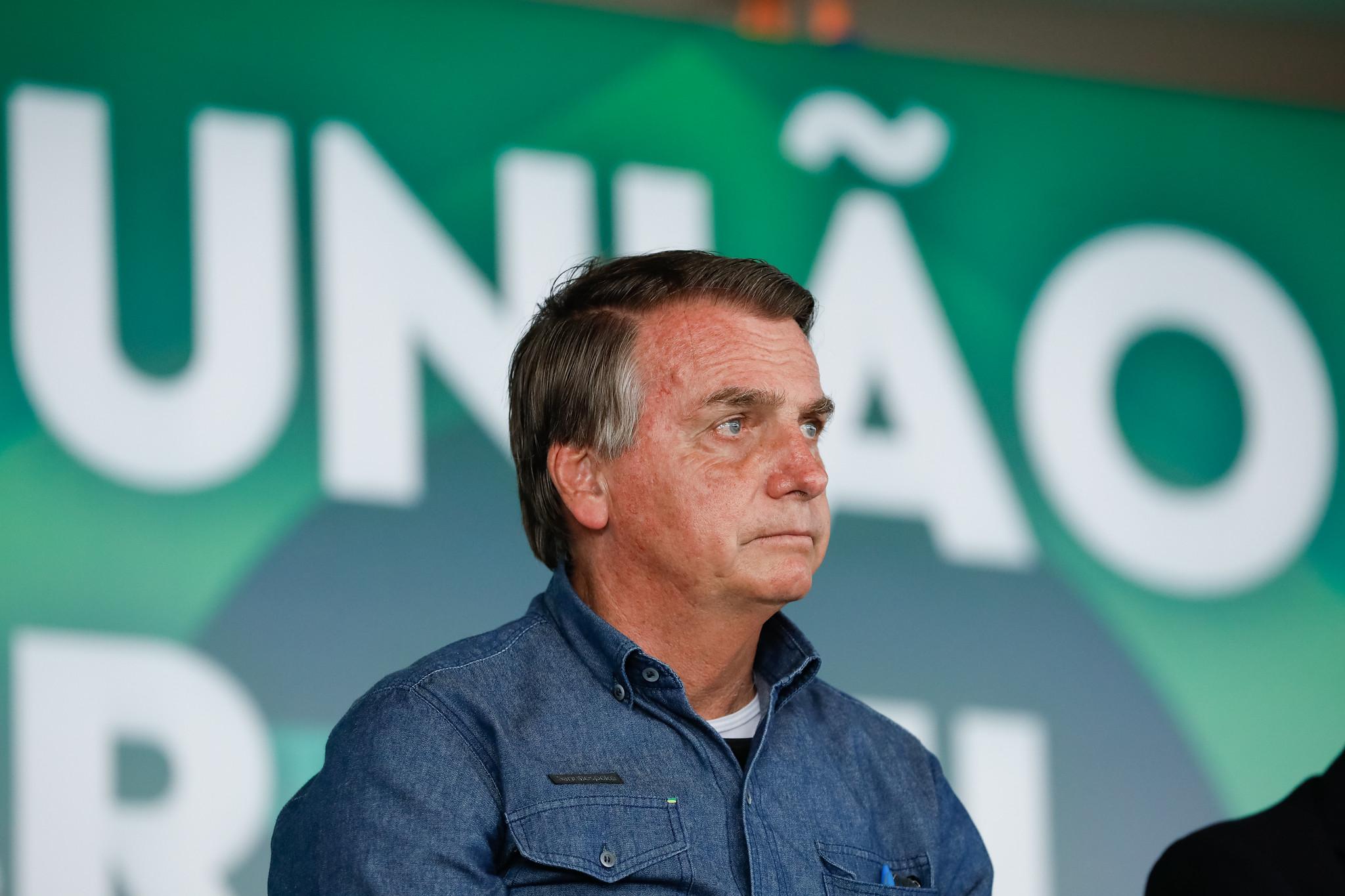 IMAGEM: Bolsonaro se torna um fardo, e impeachment ganha fôlego