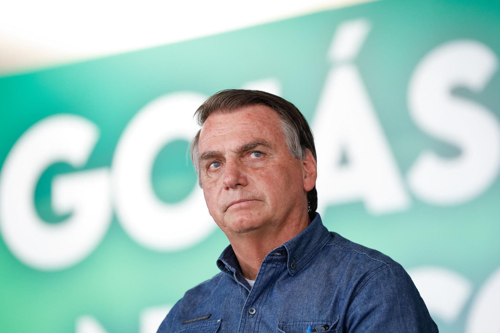 IMAGEM: Bolsonaro sanciona, com vetos, quebra de patentes de vacinas