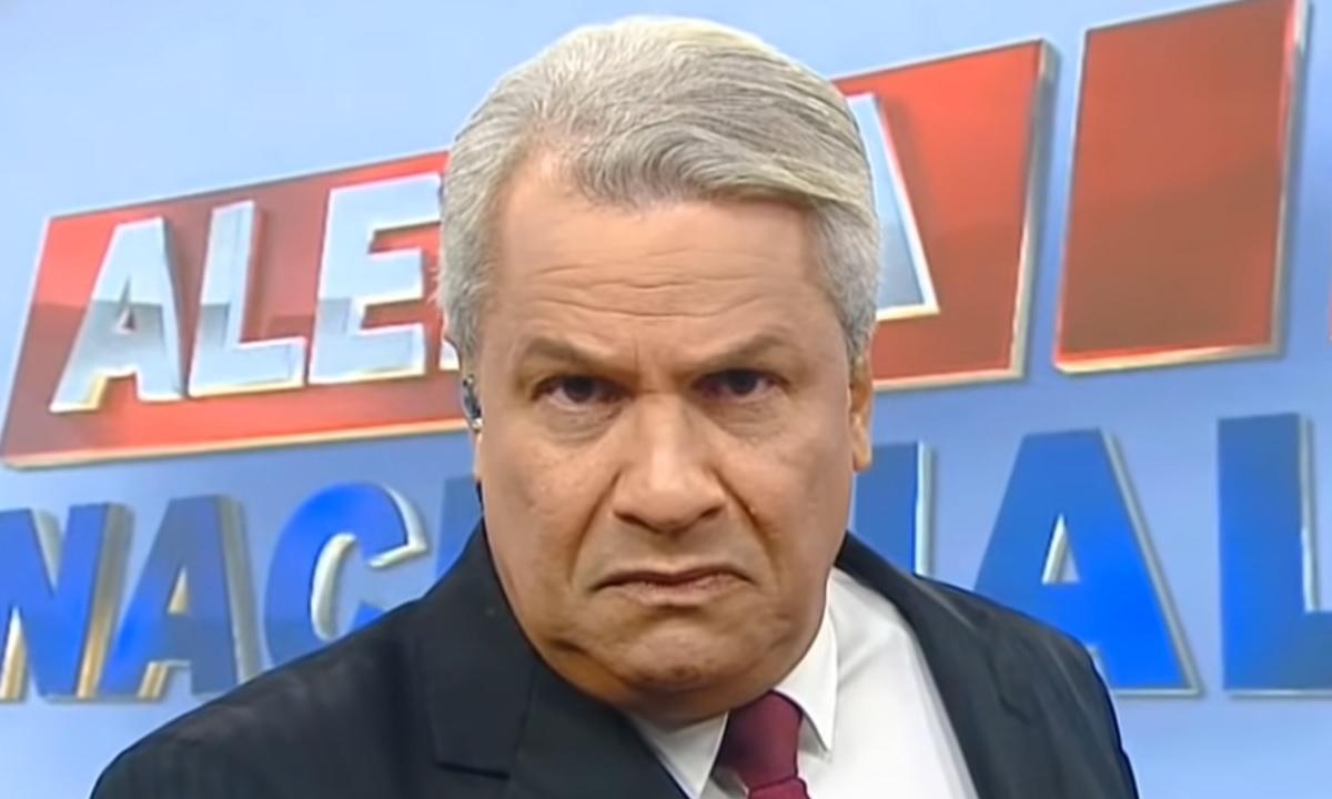 """IMAGEM: Sikêra Jr. reclama dos grevistas da RedeTV!: """"Acaba com isso, vamos trabalhar"""""""