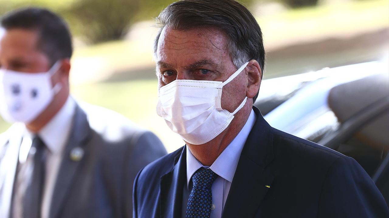 """IMAGEM: """"Não é com ações como essas que Bolsonaro se fará respeitar"""""""