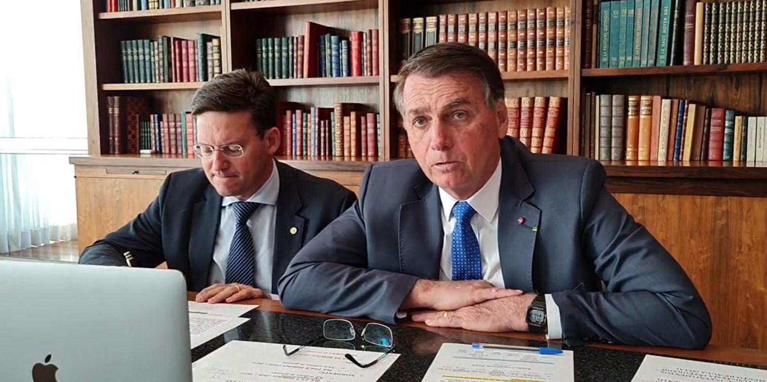 IMAGEM: Bolsonaro promete apresentar projeto para que redes sociais não possam apagar posts
