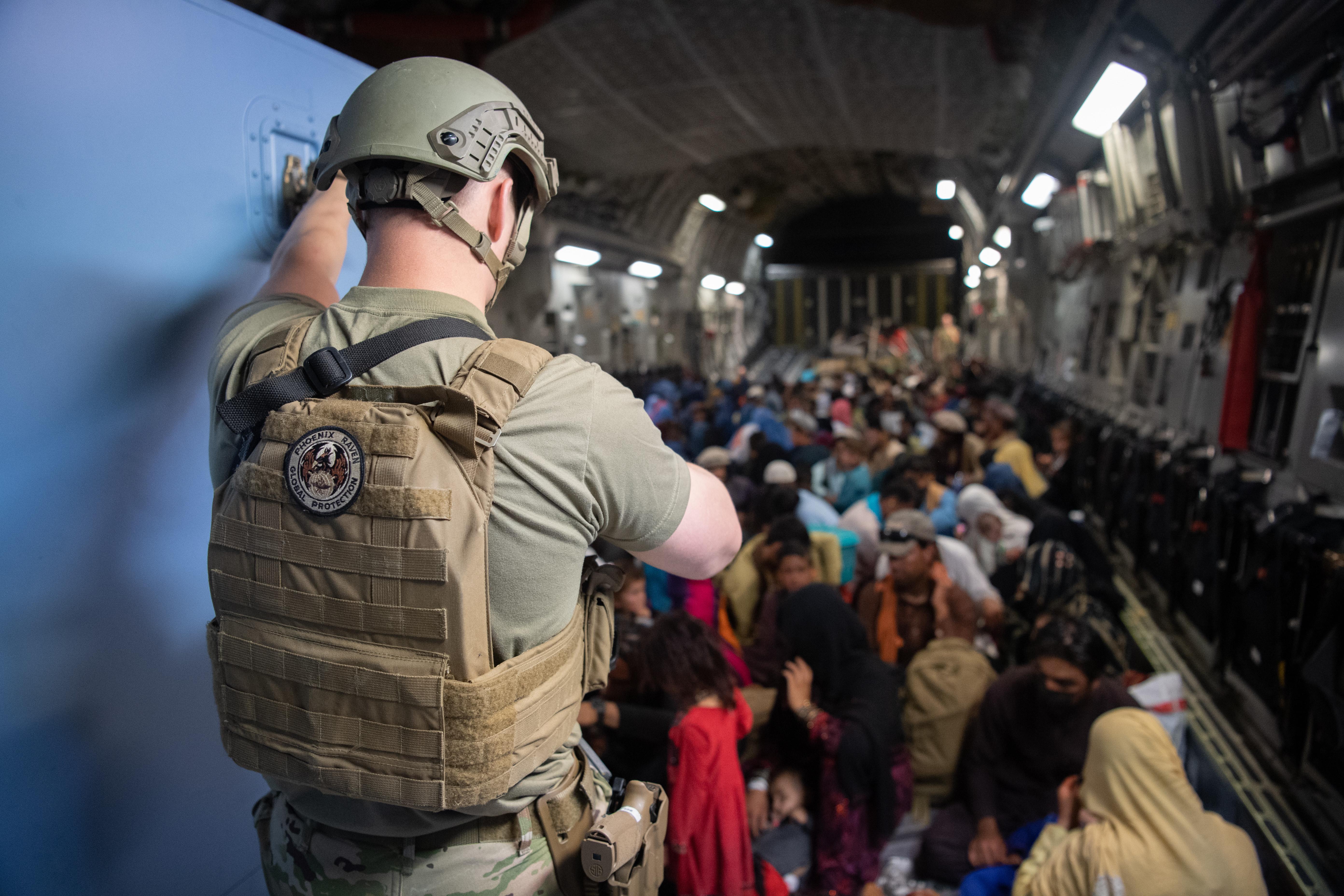 IMAGEM: Brasileiro e família são resgatados no Afeganistão