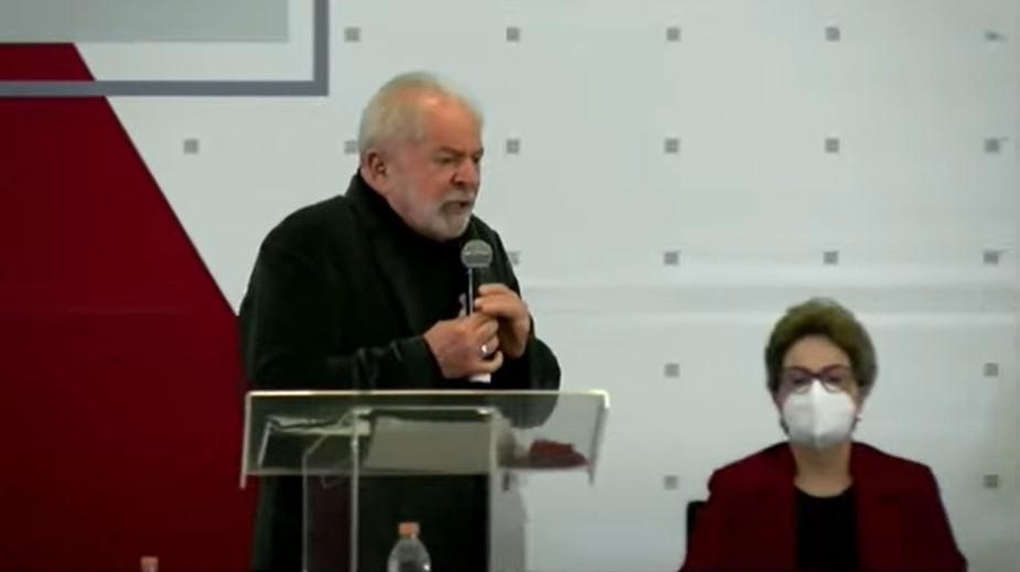 IMAGEM: Lula culpa imprensa por impeachment e volta a defender controle da mídia