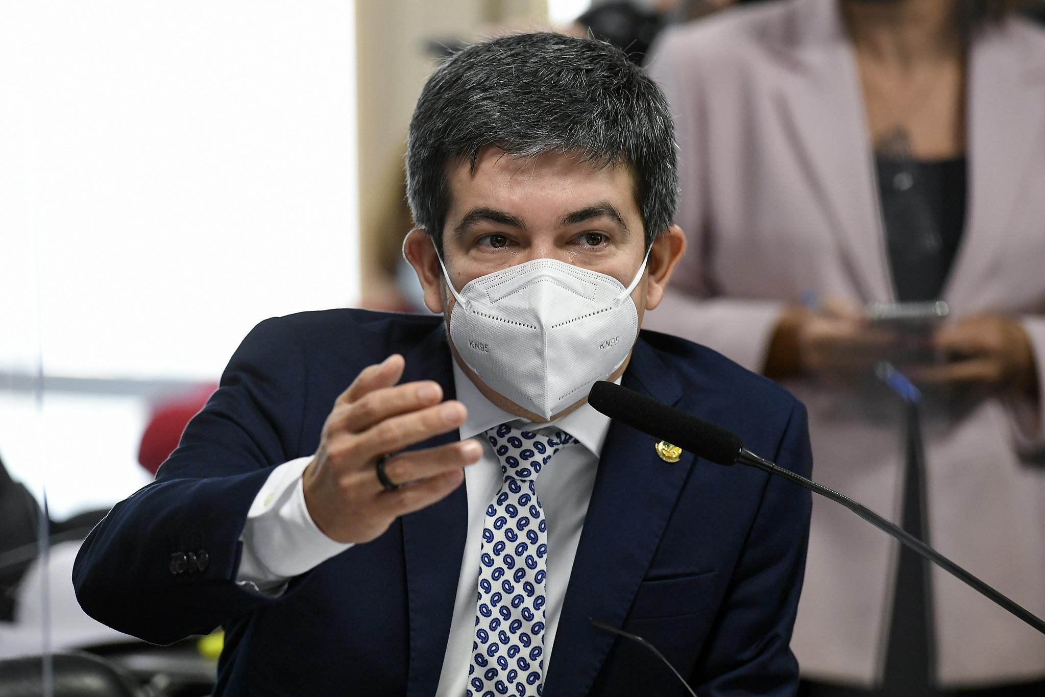 IMAGEM: Médico recua e diz que vai cancelar atestado de lobista da Precisa