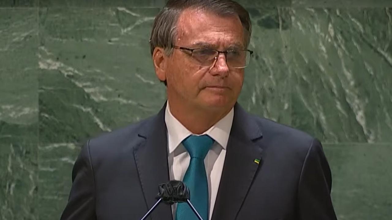 """IMAGEM: Bolsonaro: """"Qual país do mundo tem uma política ambiental como a nossa?"""""""