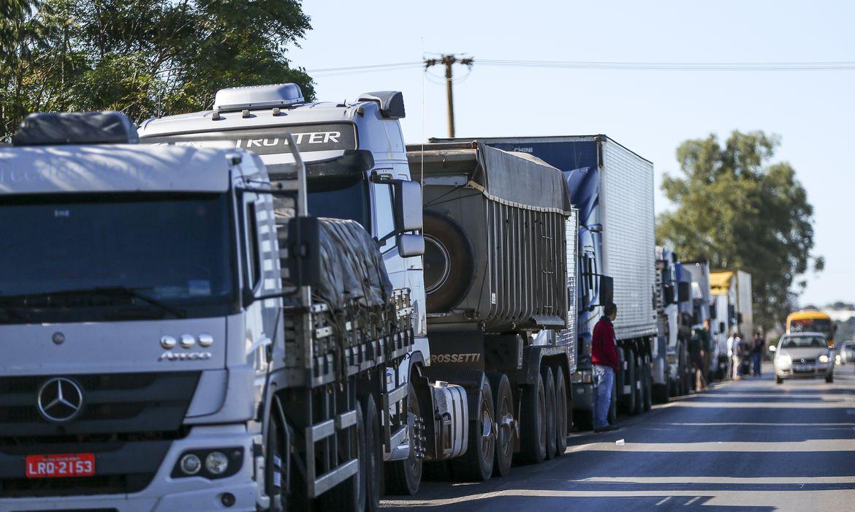 IMAGEM: Protestos de caminhoneiros em rodovias atingem 14 estados