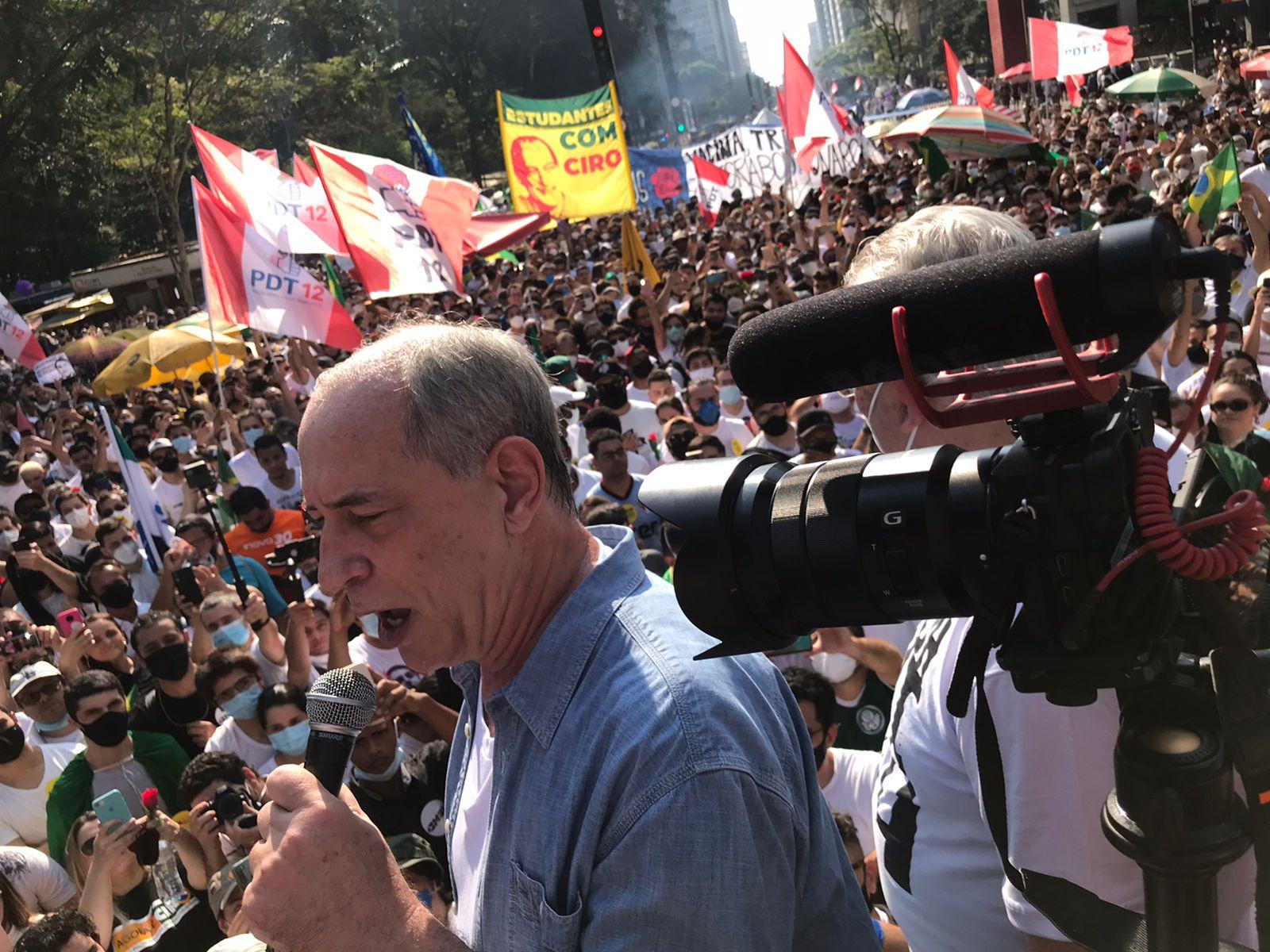 IMAGEM: Lula engole metade da Paulista