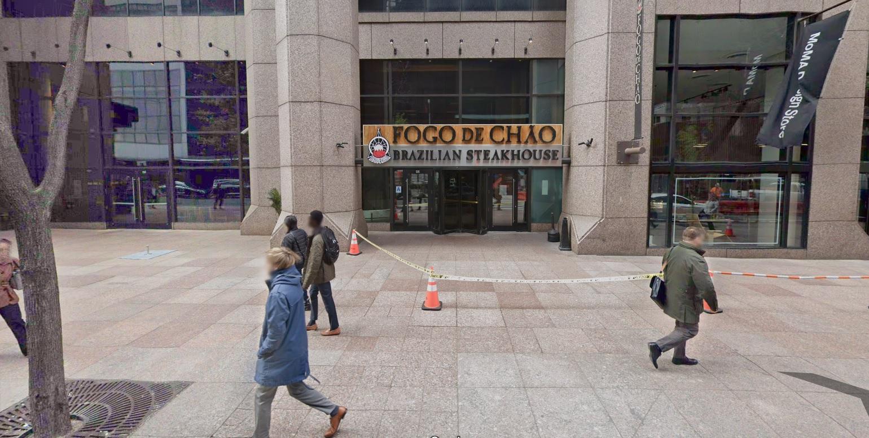 IMAGEM: Churrascaria em NY faz 'puxadinho' para Bolsonaro almoçar