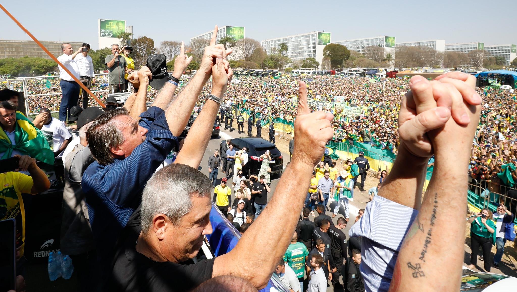 IMAGEM: Datafolha: 66% acham que atos bolsonaristas ameaçam democracia
