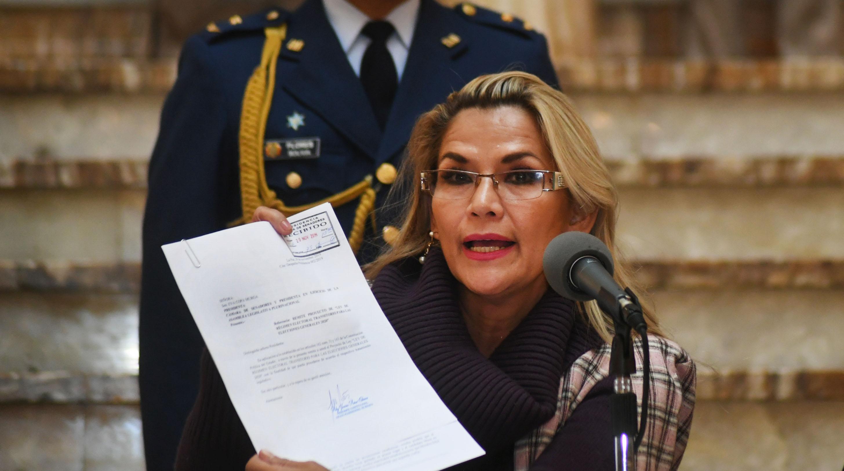 IMAGEM: OEA pede informações sobre saúde de ex-presidente boliviana presa